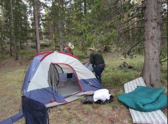 camping-guest-ranch-wyoiming
