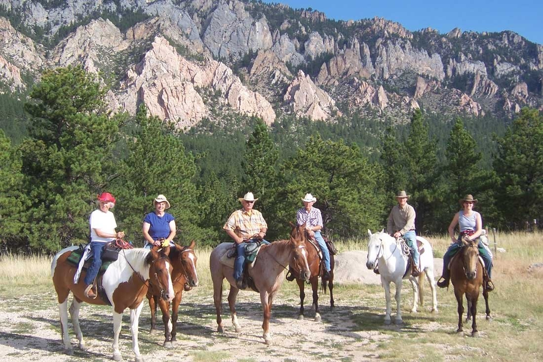 horseback-riding-vacation-wyoming