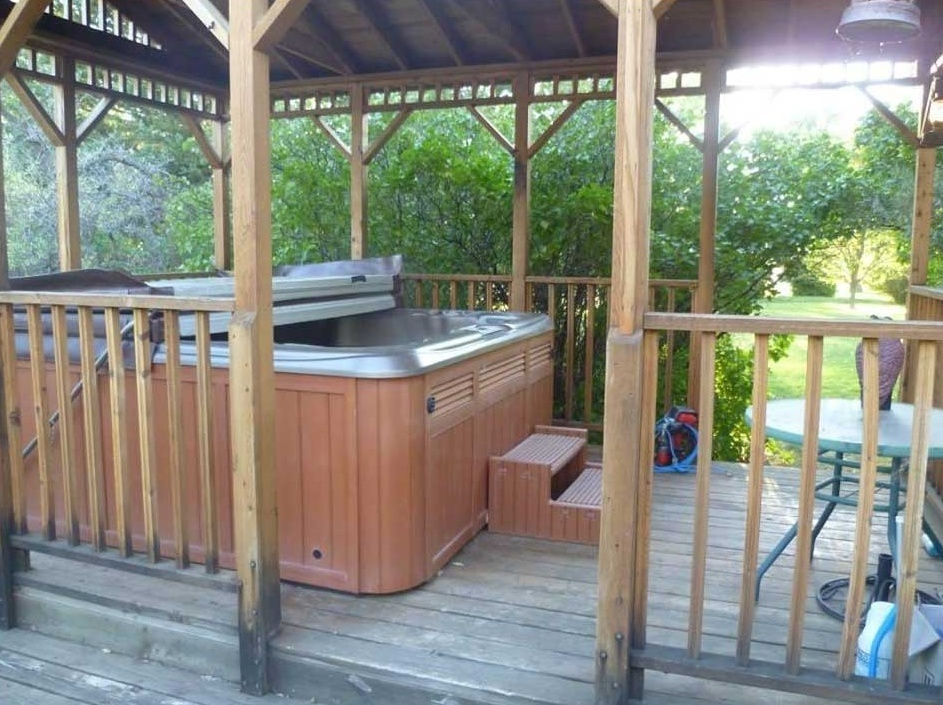 hot-tub-amenities-klondike-ranch-wy